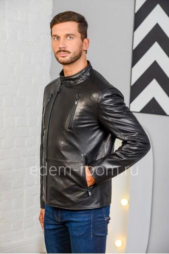 Молодёжная куртка черного цвета
