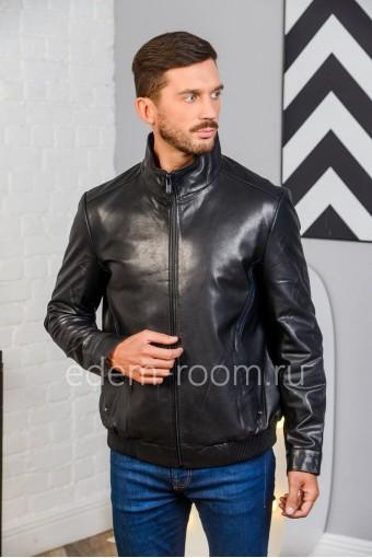 Куртка черная на резинке