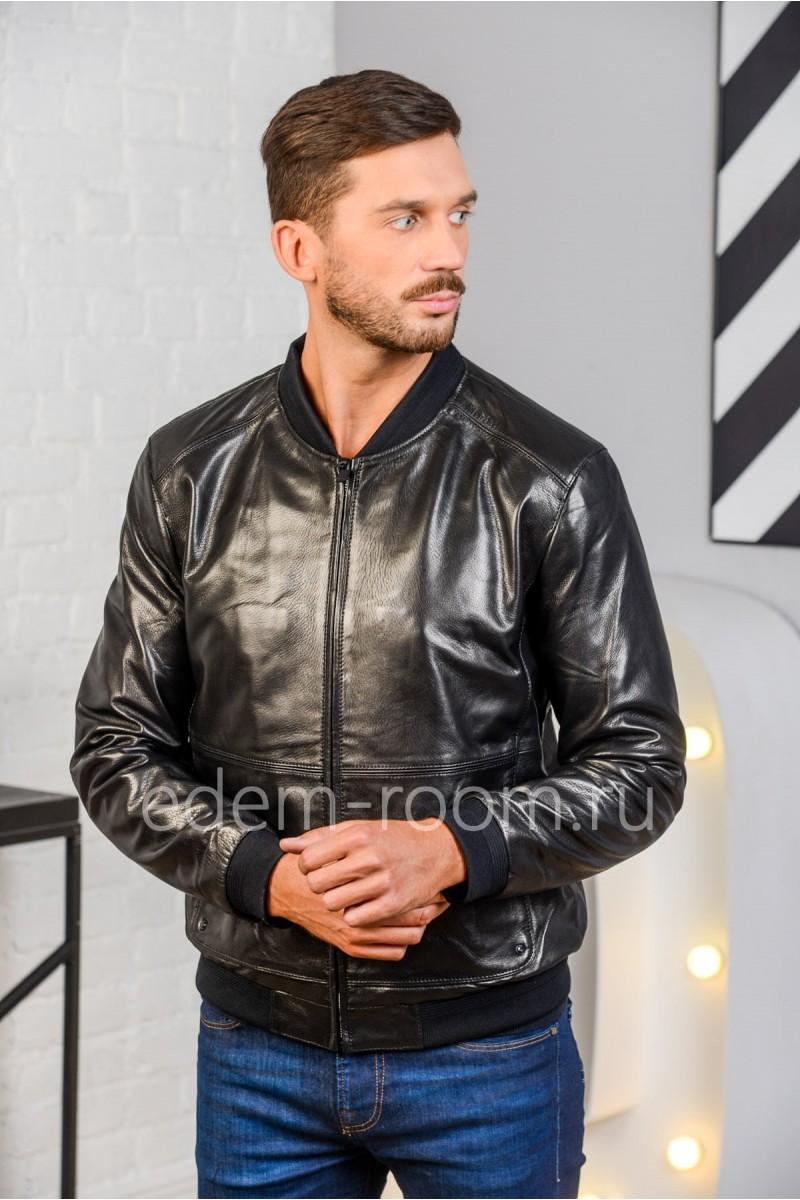 Дешевая куртка на резинке. Натуральная кожа черного цвета