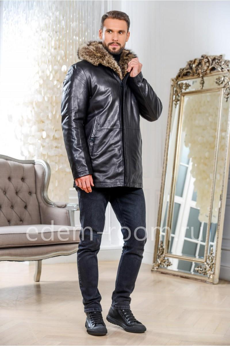 Зимняя кожаная куртка  с мехом енота