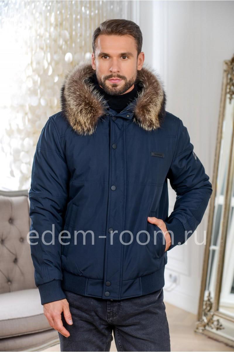 Короткая зимняя куртка бомбер