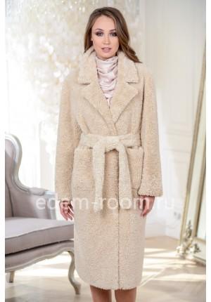 Пальто из эко-меха
