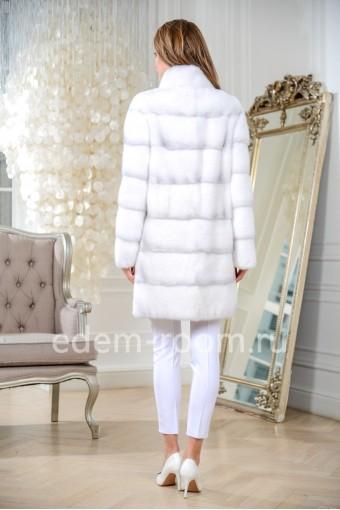 Норковая шуба с воротником-стойкой, белый цвет