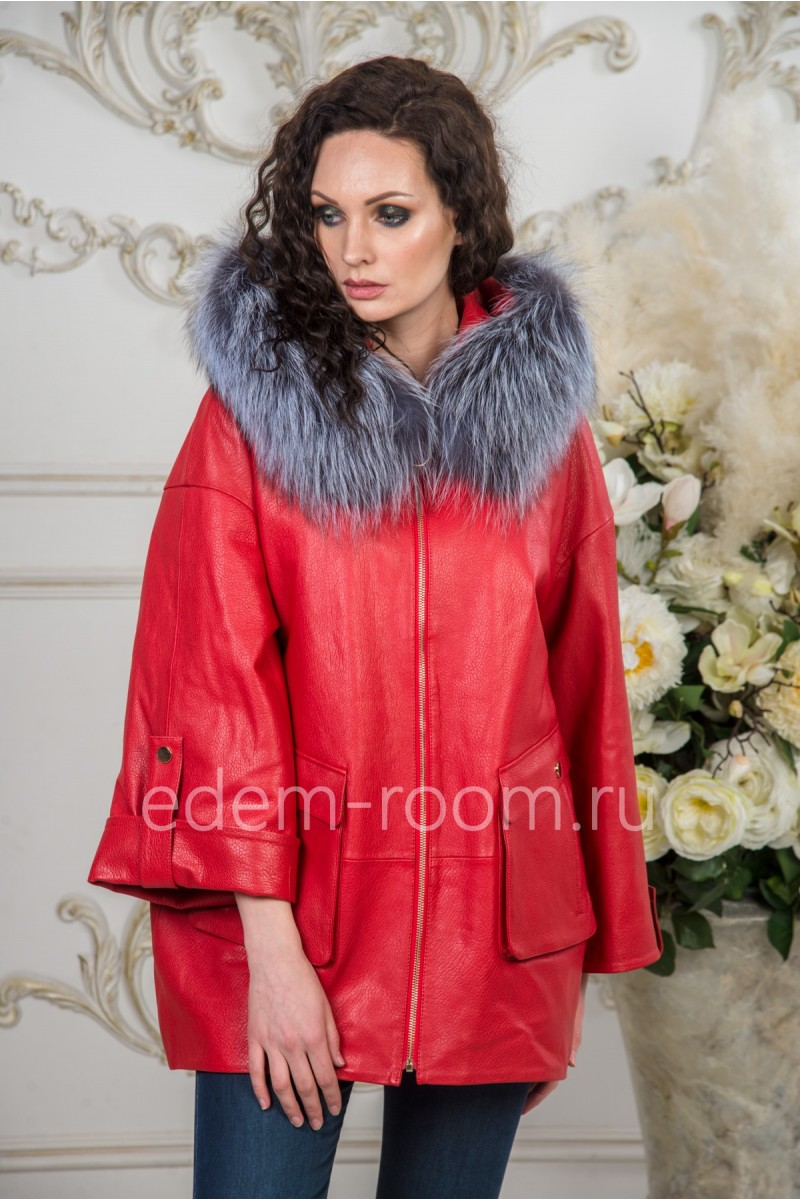 Женская куртка из кожи для межсезонья