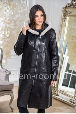 Демисезонное кожаное пальто для женщин