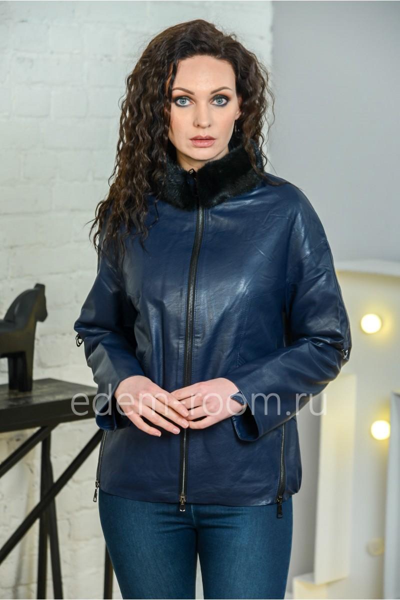 Куртка из эко-кожи со съемным меховым воротником