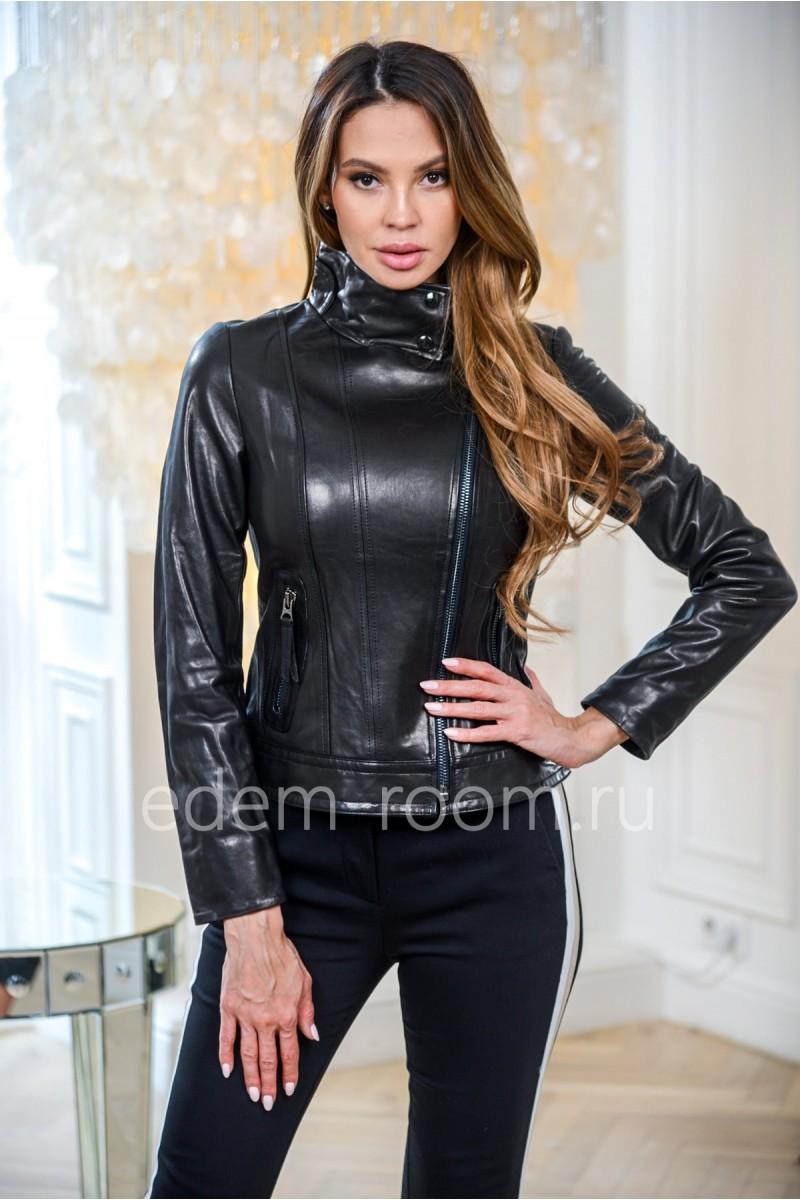 Модная куртка кожаная молодежная черного цвета