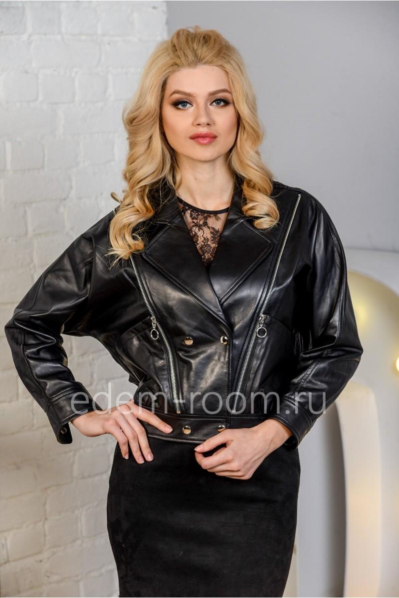 Модная куртка из натуральной кожи черного цвета