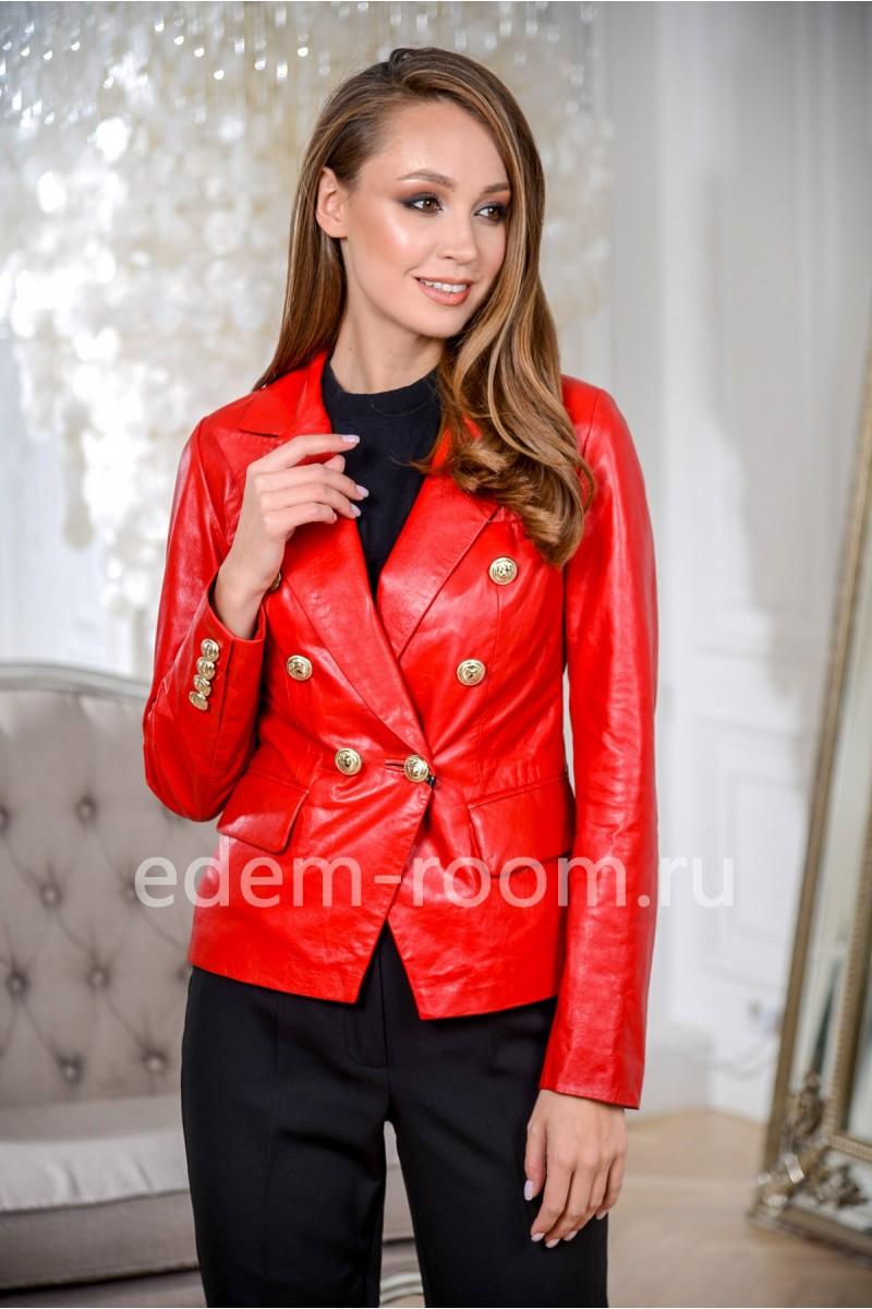 Стильная куртка кожаная красная