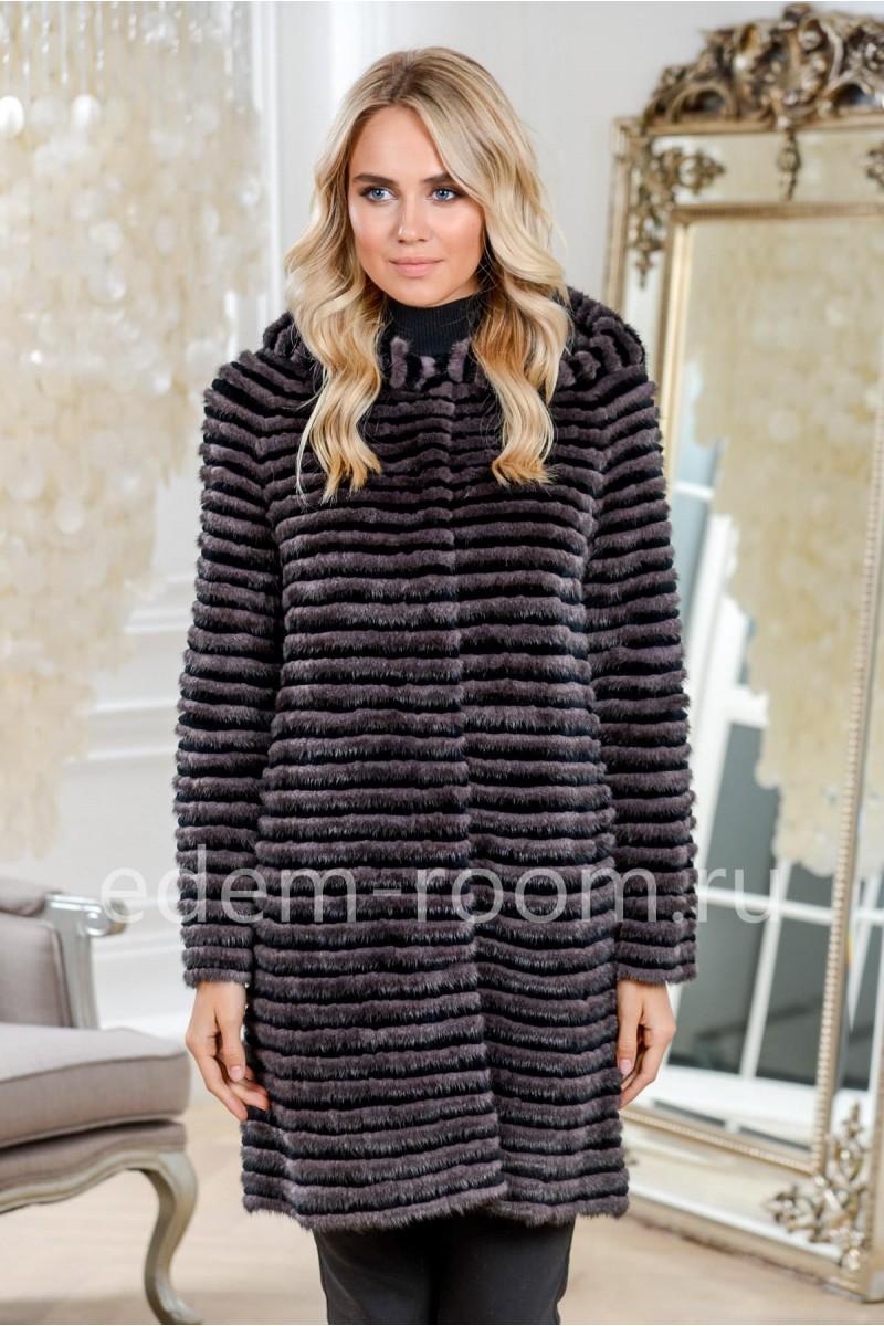 Пальто из меха норки с капюшоном