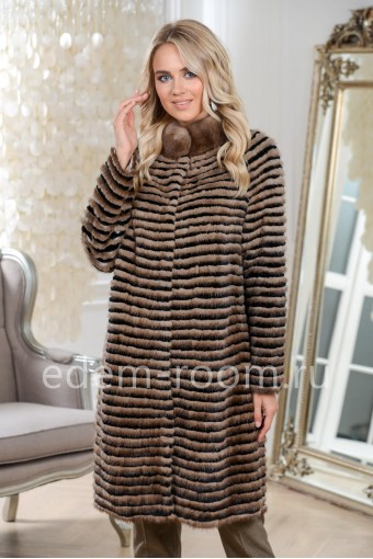 Пальто из меха на холодную погоду