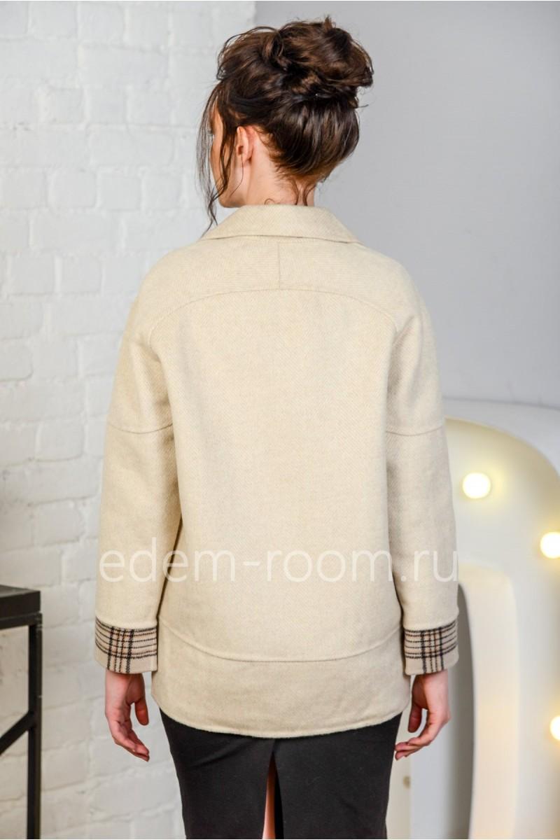 Укороченное двубортное пальто