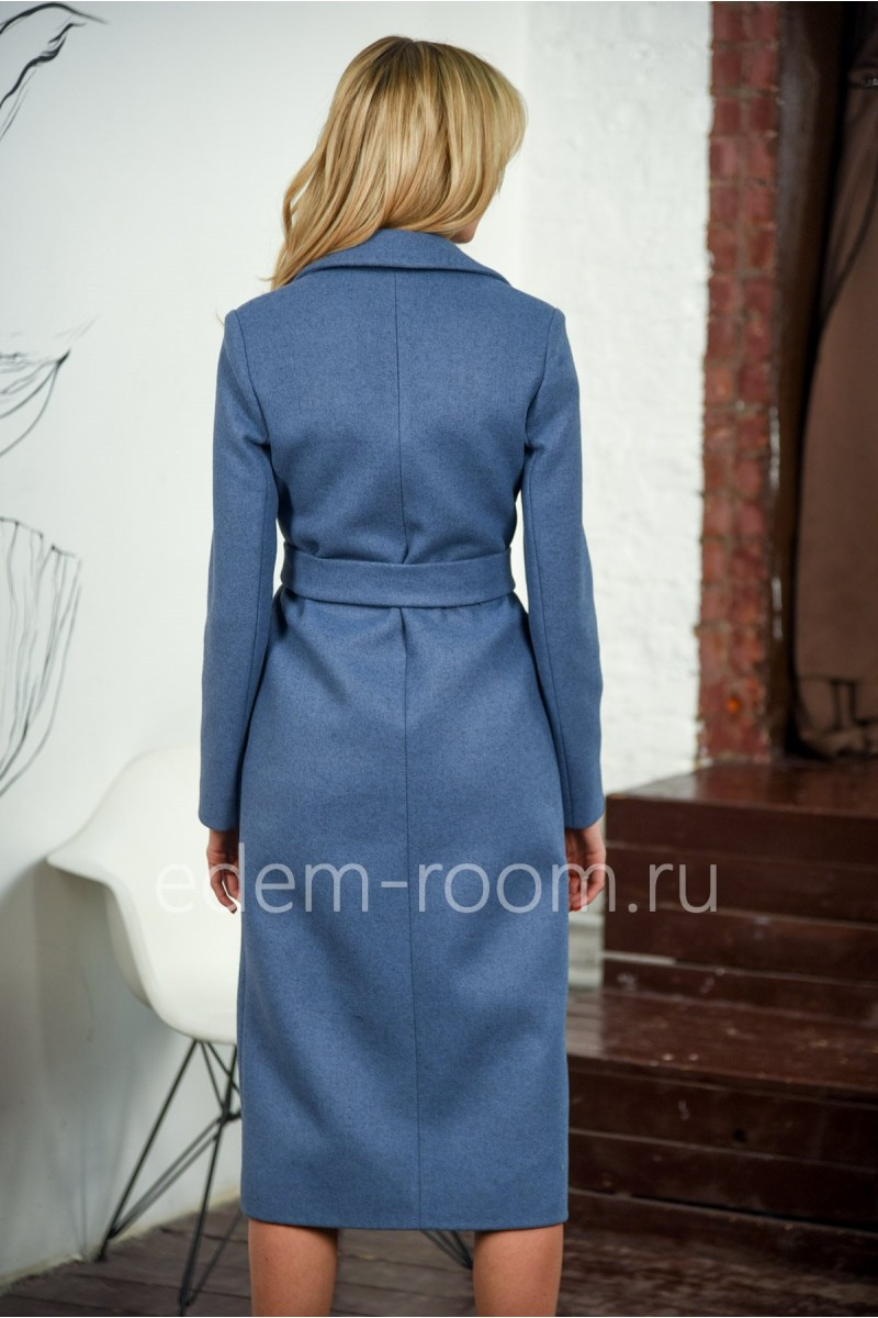 Женское пальто с накладными карманами