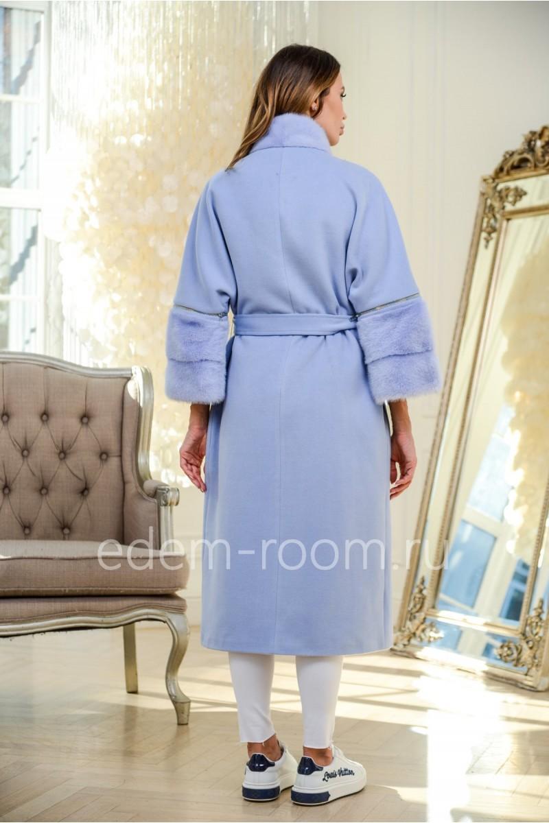 Стильное пальто с мехом норки