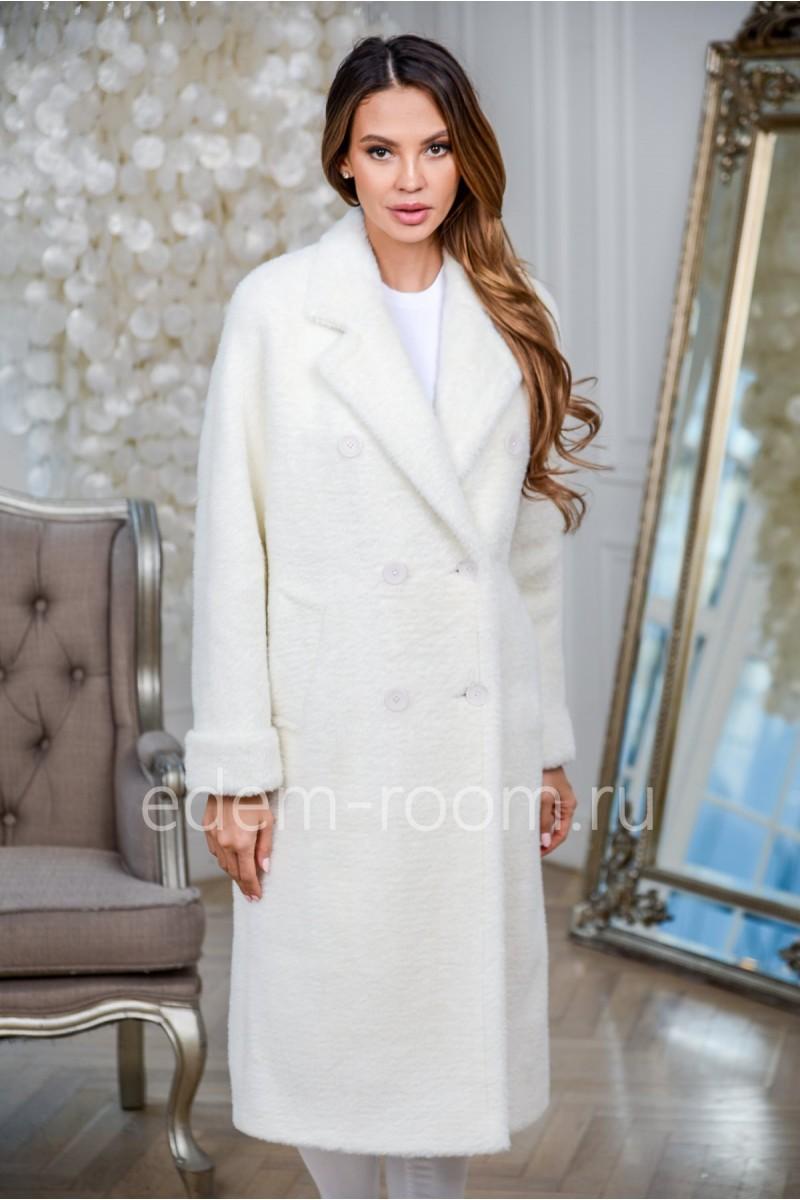 Белое пальто из шерсти