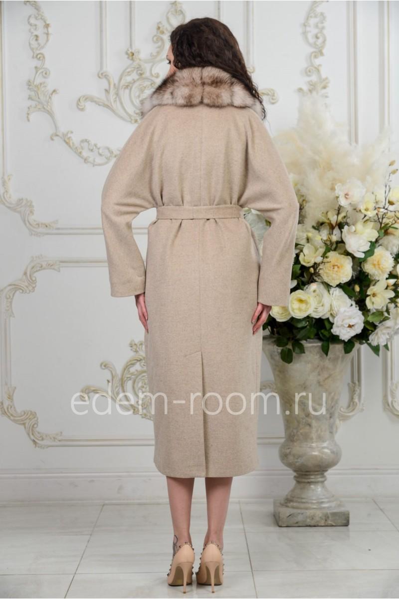 Пальто со съёмным меховым воротником