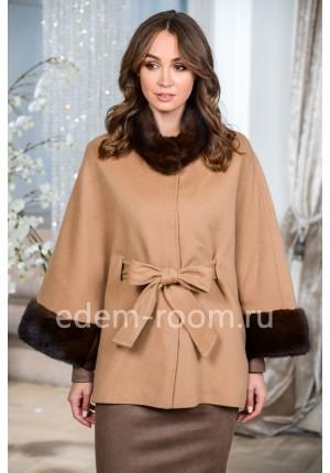 Кашемировое пальто с норковыми манжетами