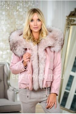 Куртка на зиму с капюшоном из меха енота