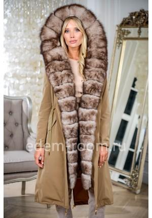 Парка пальто с капюшоном украшенная мехом песца