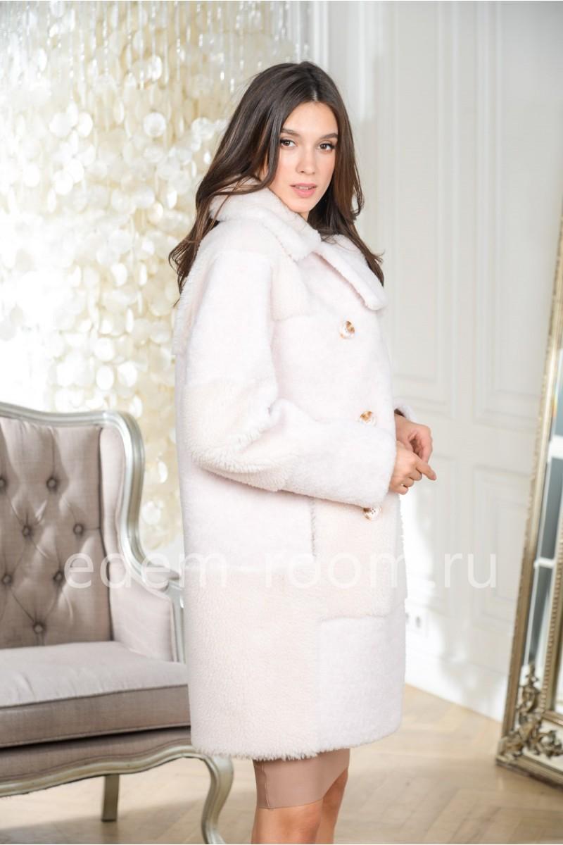 Белая шуба из овечьей шерсти
