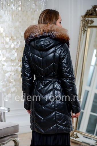 Кожаное зимнее пальто отороченное мехом лисы с капюшоном