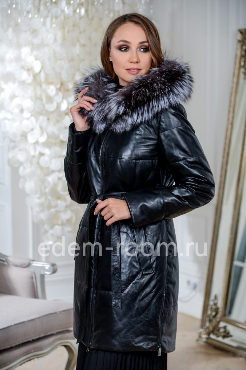 Зимнее кожаное пальто с капюшоном на меху