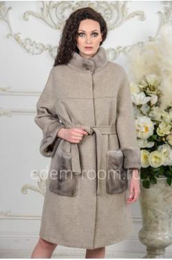 Шерстяное пальто с мехом для женщин