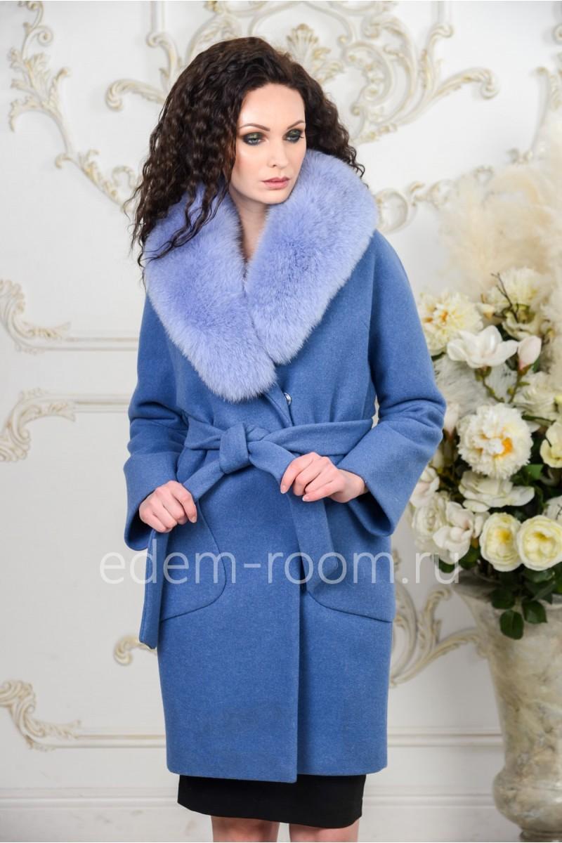 Голубое пальто с мехом