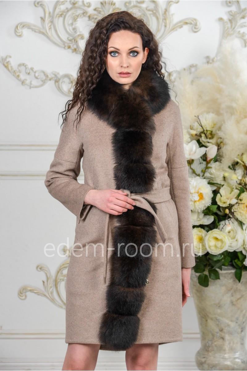 Зимнее пальто с меховой планкой