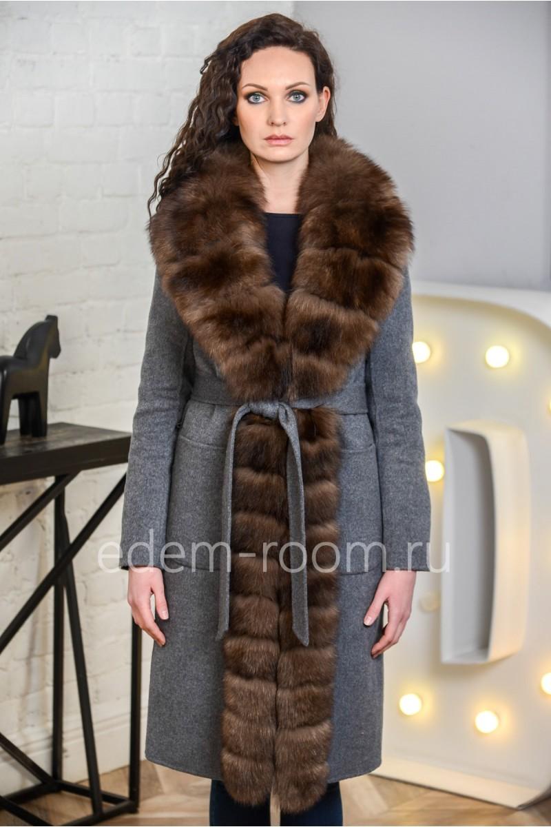 Шерстяное зимнее пальто с мехом