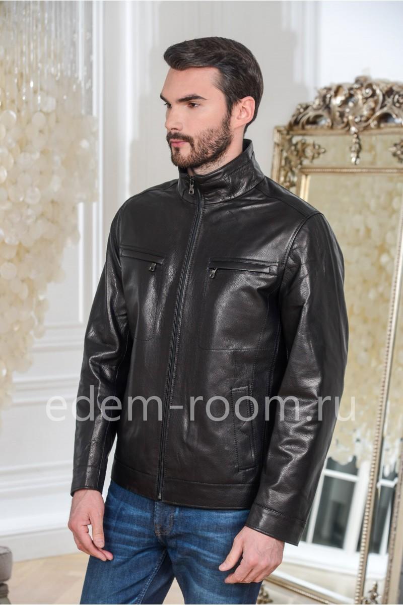 Прямая куртка кожаная черного цвета