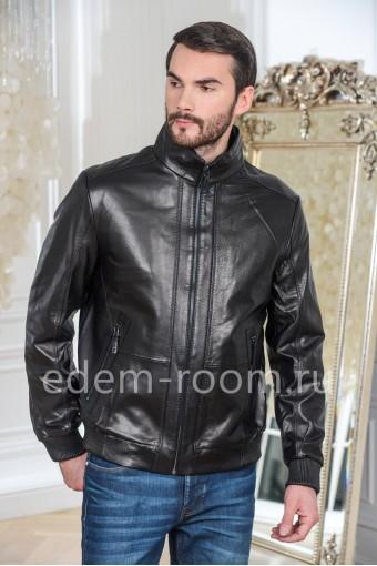 Куртка кожаная черного цвета на молнии