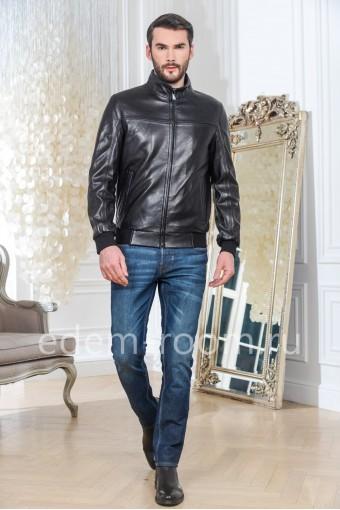 Молодежная куртка кожаная на резинке черного цвета