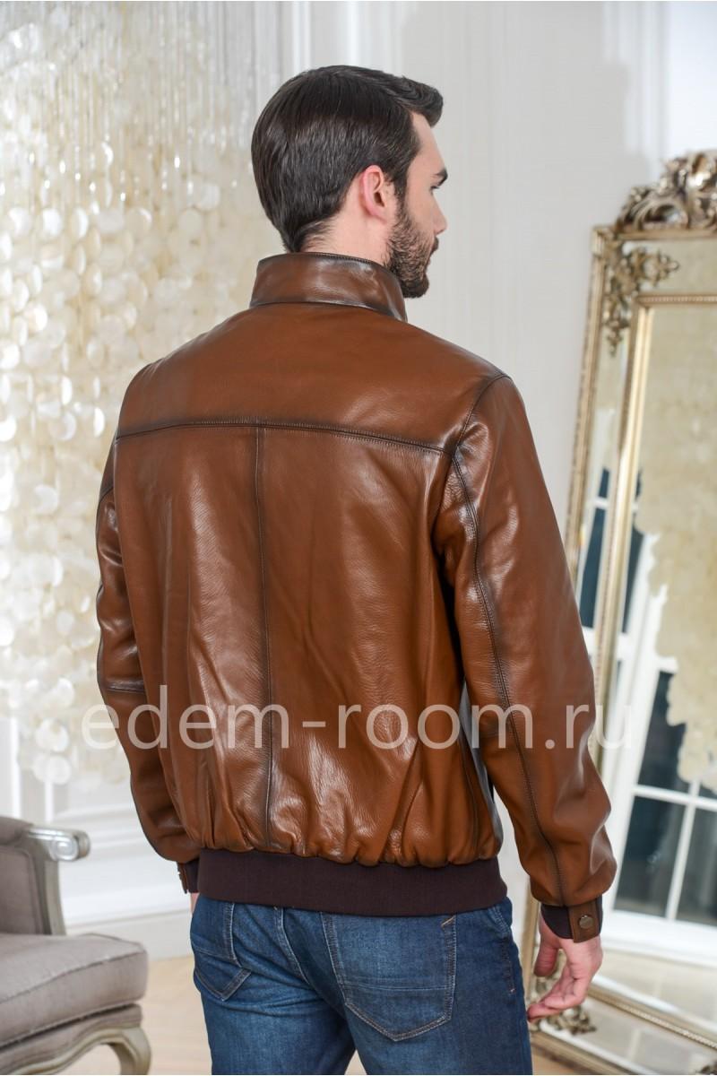 Коричневая куртка кожаная на резинке