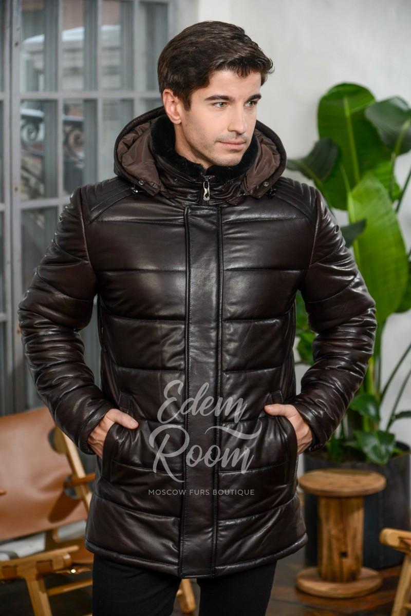 Теплая кожаная куртка с капюшоном