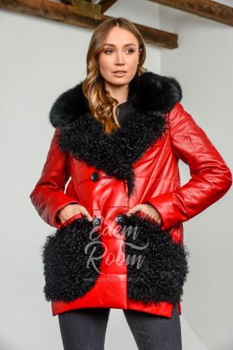 Кожаная куртка с меховым капюшоном