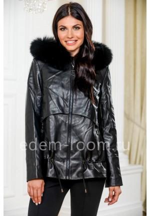 Осенняя куртка из кожи для женщин