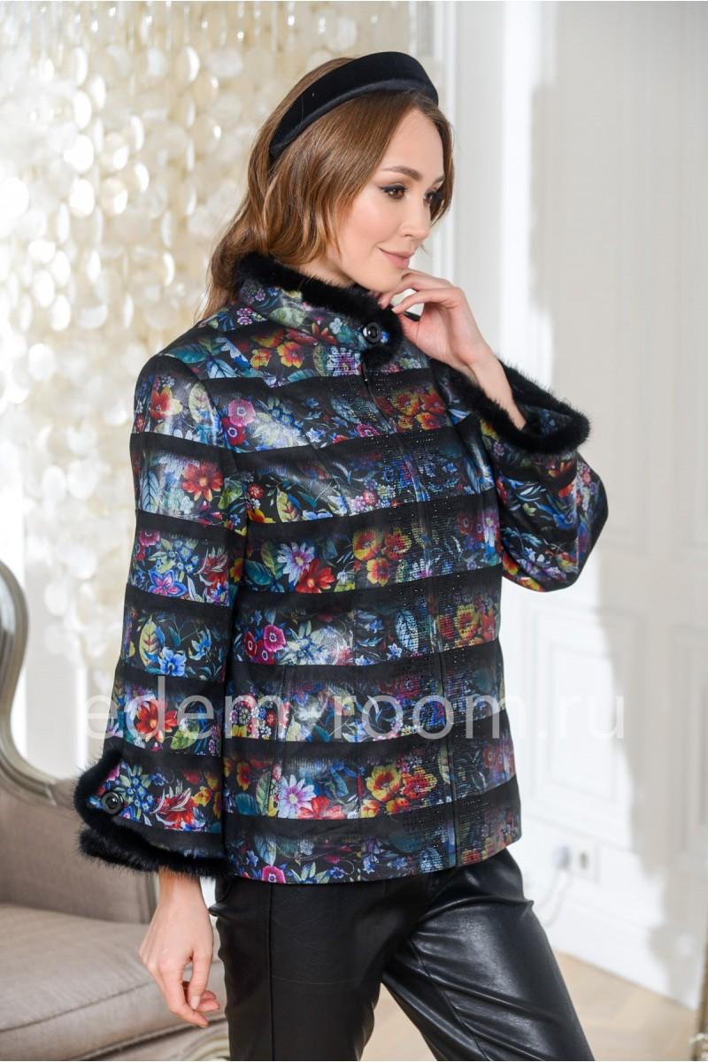 Весенняя куртка для женщин больших размеров