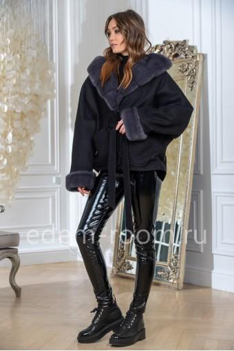 Пальто укороченное с мехом норки