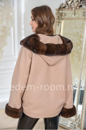 Укороченное пальто с мехом норки