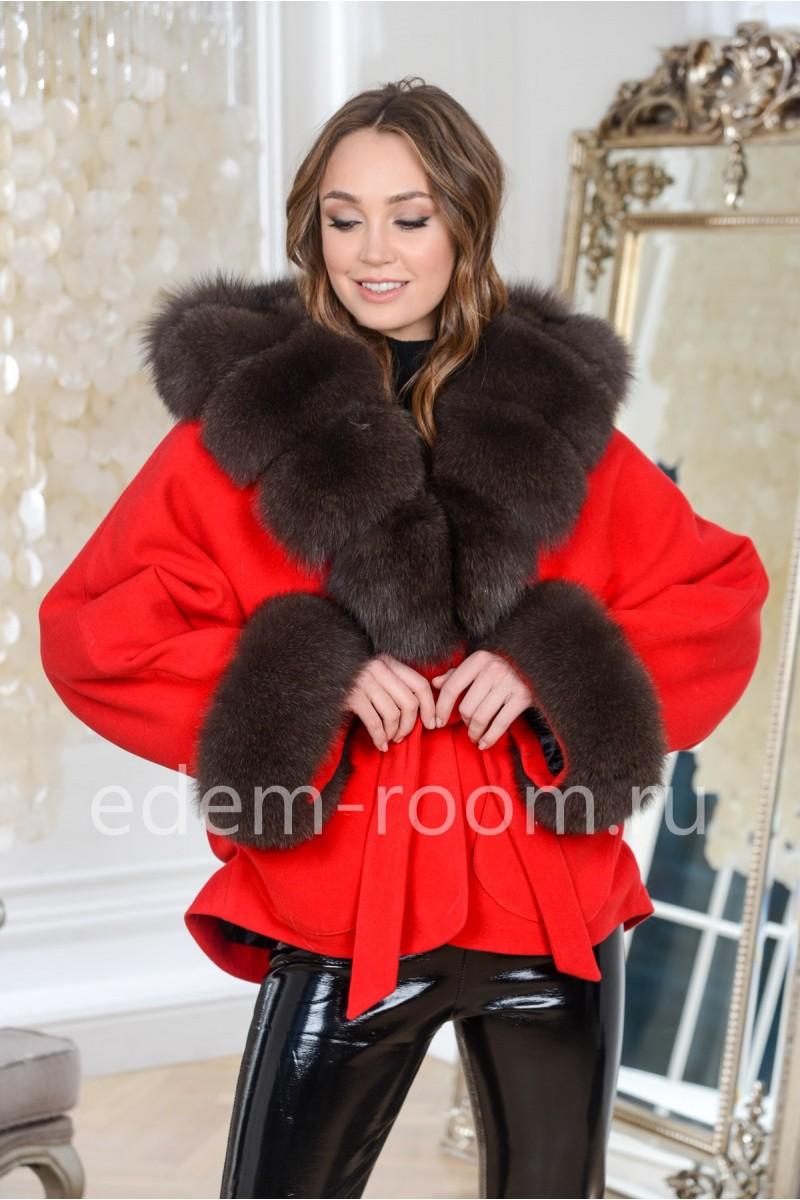 Красное пальто - куртка с мехом песца