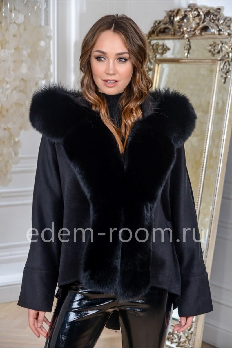 Укороченное пальто с мехом финского песца