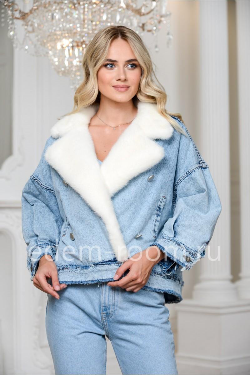 Джинсовая куртка - косуха с меховым воротником