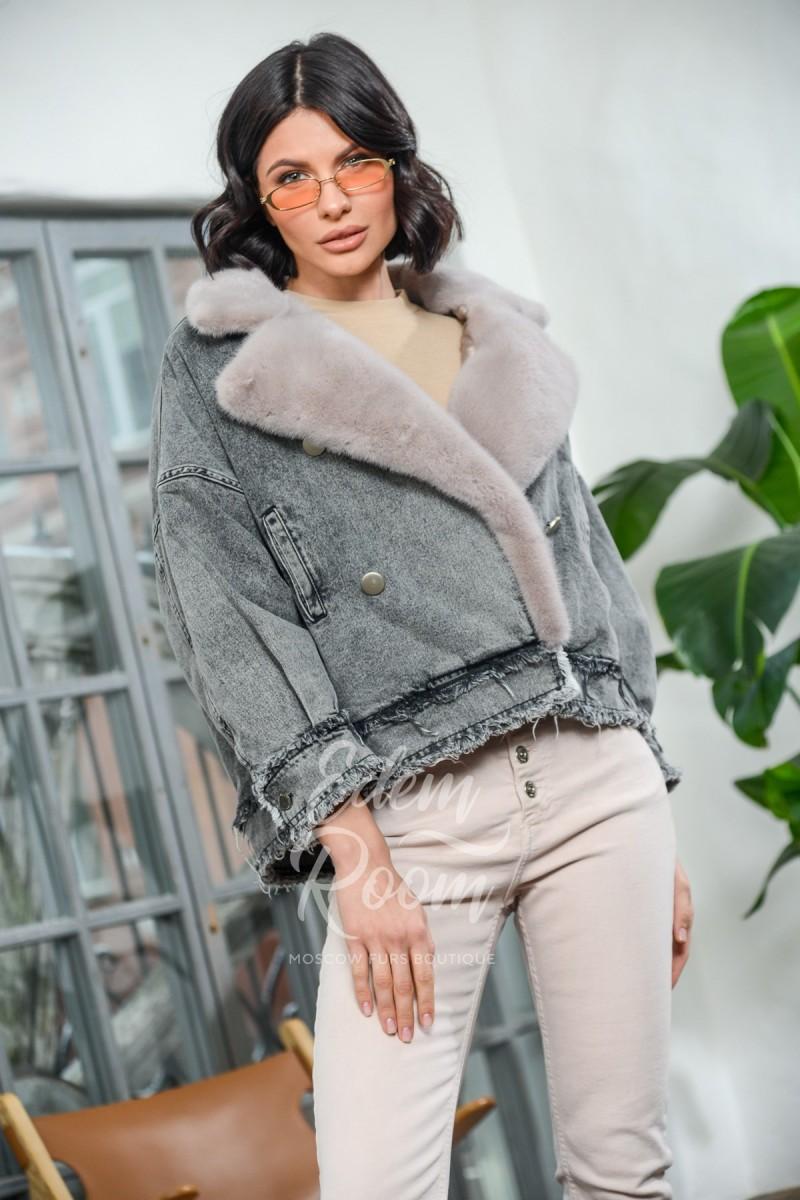 Куртка - джинсовка с меховым воротником