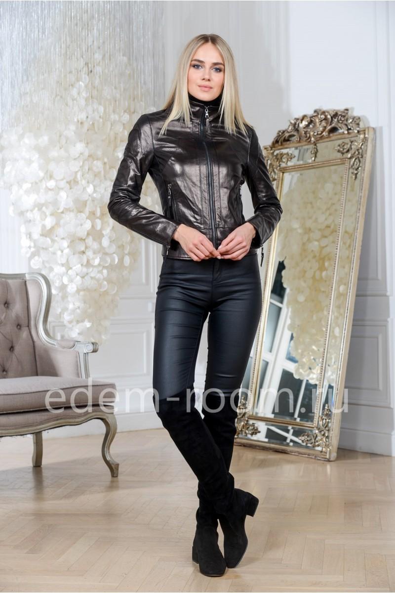 Классическая куртка из натуральной кожи черная, укороченная