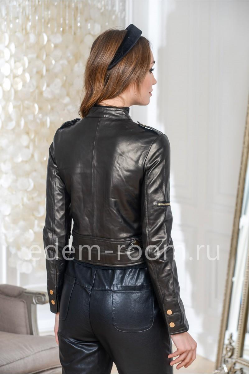 Короткая черная куртка кожаная