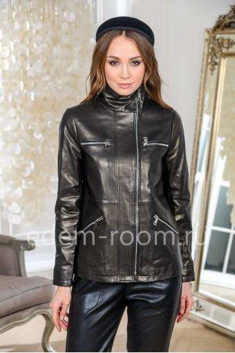 Практичная куртка кожаная черная