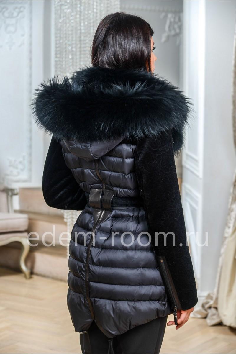 Комбинированная пуховая куртка с меховым капюшоном