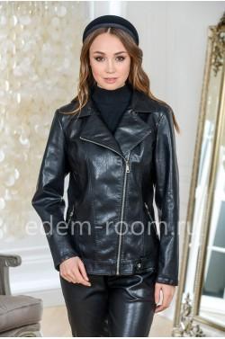 Чёрная куртка из ненатуральной кожи