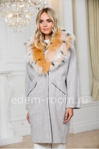 Вязаное пальто - кардиган с меховым воротником
